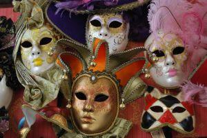4 máscaras