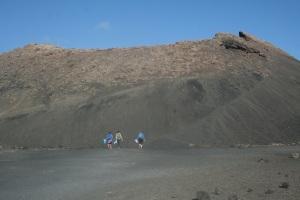 Campaña de limpieza en la Caldera de Los Cuervos. Lanzarote. Abr14