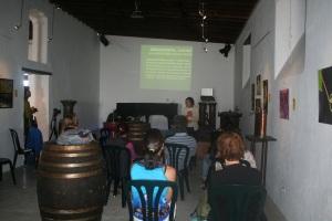 Charla Idoya Cabrera (Fundación César Manrique) en la Bodega El Grifo
